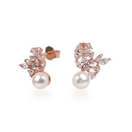 Boucles Marylin d'oreilles, en argent rhodié rose 925/1000 serties de cubics zirconiums et d'une perle synthétique. Orligne Genève E1579RW