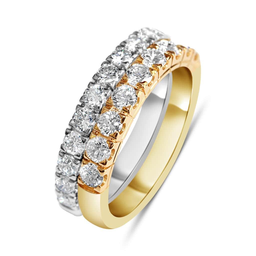 Bague en argent 925/1000 doré et blanc, anneau serti de cubics zirconiums. Type alliance. Orligne Genève