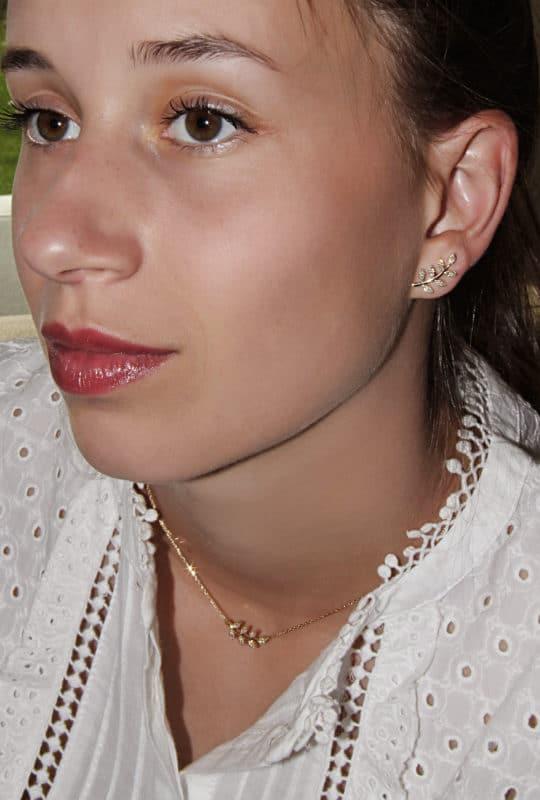 Parure boucles d'oreilles et collier en argent doré serti de cubics zirconium motif laurier Orligne Genève N-HOP-LEA-Y-1 AQU + ER-HOP-LEA-Y AQU (BO)